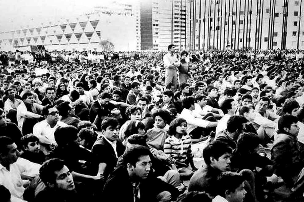Plaza-Tres-Culturas-La-UNAM-y-el-'68-UNAMGlobal