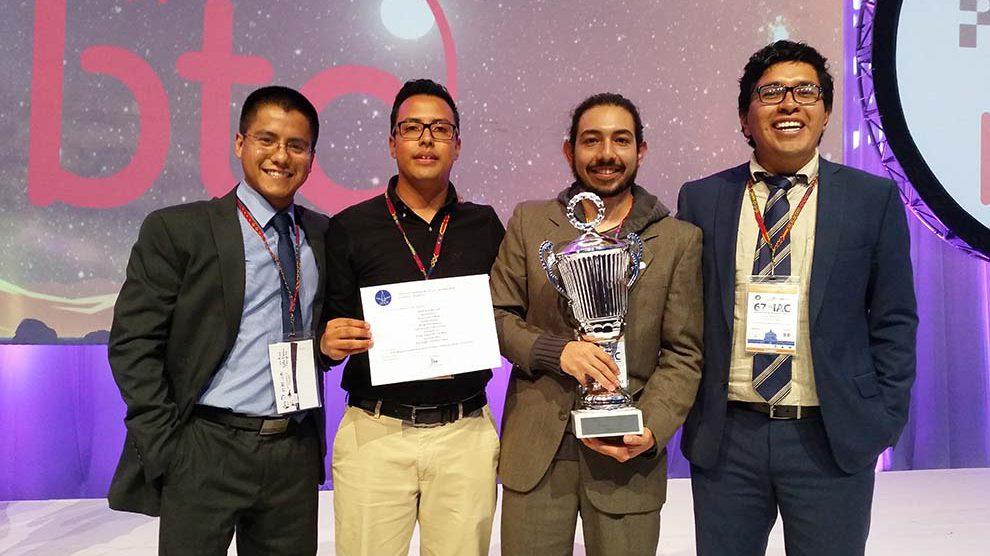 Distinción-astronáutica-alumnos-Ingeniería-UNAMGlobal