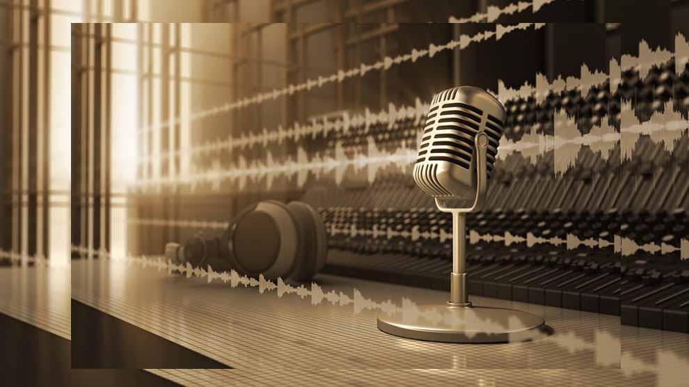 Microphone-mejor-medio-comunicación-UNAMGlobal