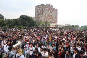 Marchan-estudiantes-rectoría-UNAMGlobal