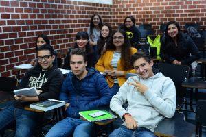 Estudiantes-en-salón-clases-UNAMGlobalR