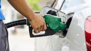 RefuelingCar-pagar-más-por-gasolina-UNAMGlobalR