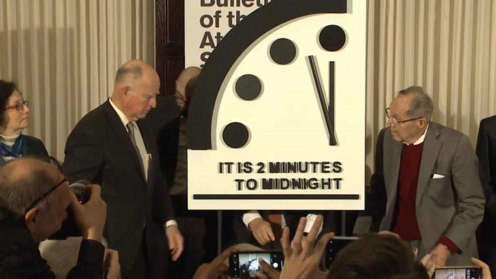 Dos-Minutos-para-fin-del-mundo-UNAMGlobalR