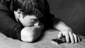 adolescentes-acosado-adultosd-jóvens-problemas-emocionales-UNAMGlobal