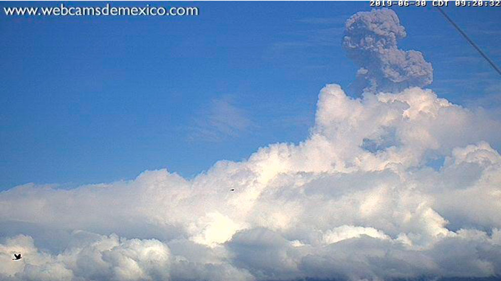exhorto-alejarse-volcán-prevención-desastres-UNAMGlobal