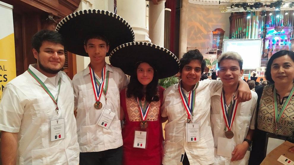 niños7-genio-oro-matemáticas-certamen-UNAMGlobal