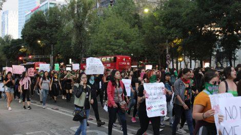 pañuelos14-verdes-violencia-mujeres-feministas-UNAMglobal