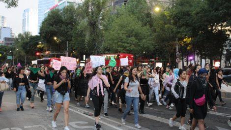 pañuelos15-verdes-violencia-mujeres-feministas-UNAMglobal