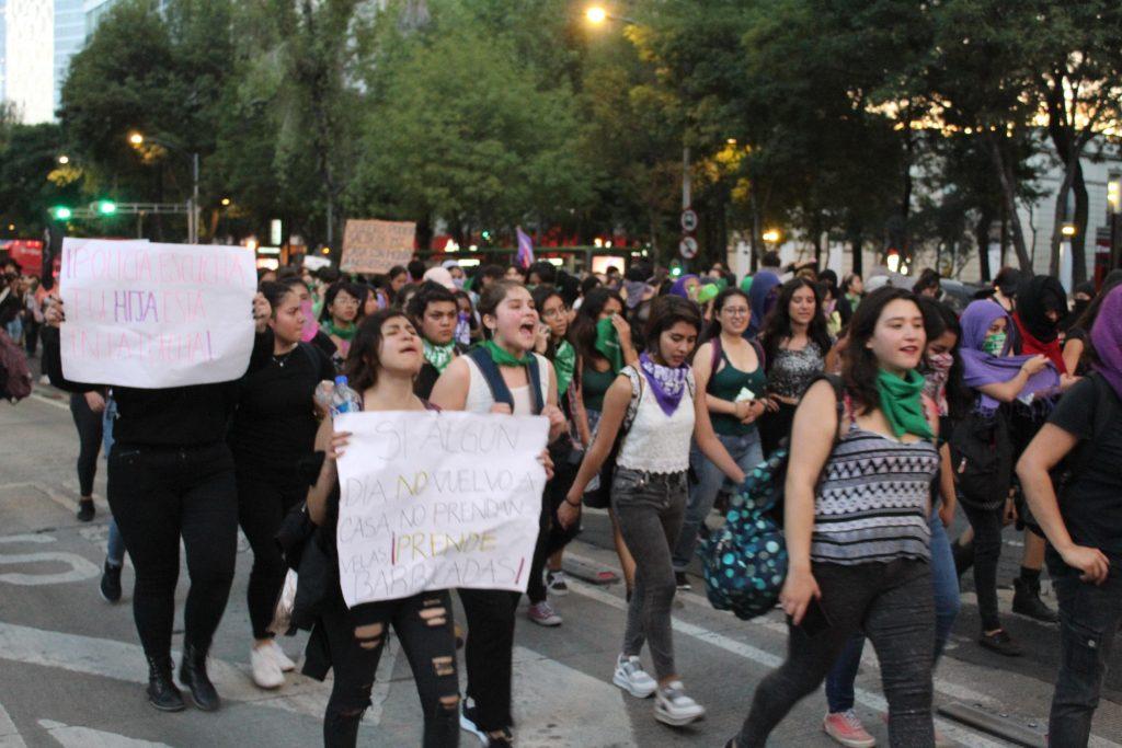 pañuelos19-verdes-violencia-mujeres-feministas-UNAMglobal