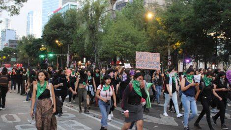 pañuelos20-verdes-violencia-mujeres-feministas-UNAMglobal