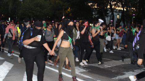 pañuelos21-verdes-violencia-mujeres-feministas-UNAMglobal