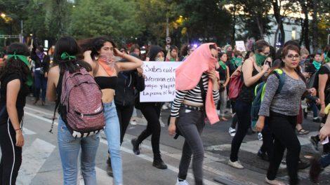 pañuelos22-verdes-violencia-mujeres-feministas-UNAMglobal