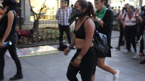 pañuelos8-verdes-violencia-mujeres-feministas-UNAMglobal
