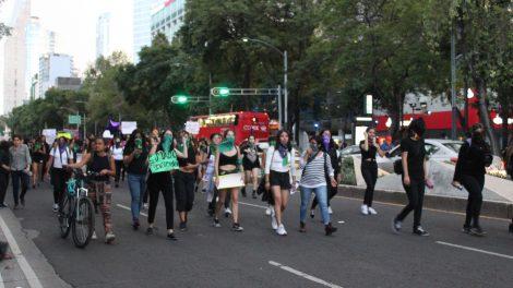 pañuelos11-verdes-violencia-mujeres-feministas-UNAMglobal