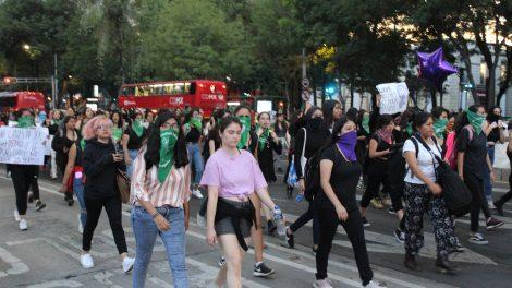 pañuelos12-verdes-violencia-mujeres-feministas-UNAMglobal