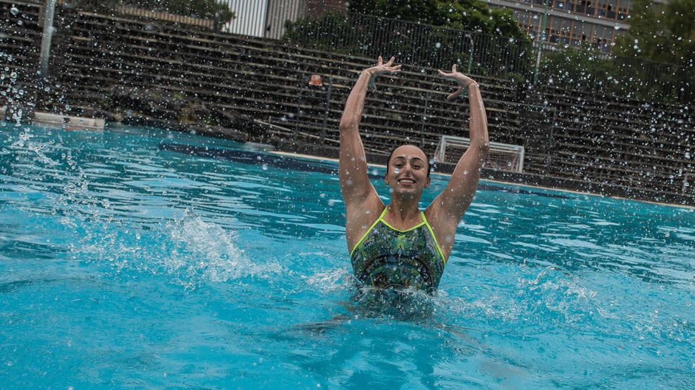 natación-oro-artístico-anapaula-prepa2-UNAMGlobal