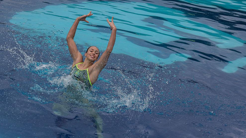natación4-oro-artístico-anapaula-prepa2-UNAMGlobal