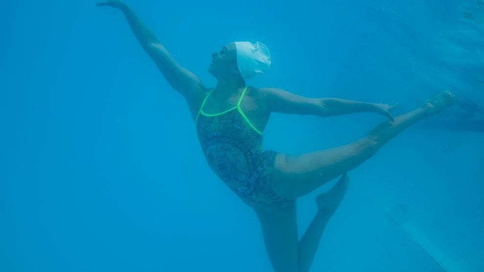 natación6-oro-artístico-anapaula-prepa2-UNAMGlobal