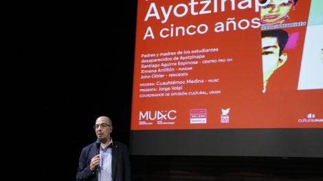 normalistas14-desaparecidos-Ayotzinapa-homenaje-AiWeiwei-UNAMGlobal