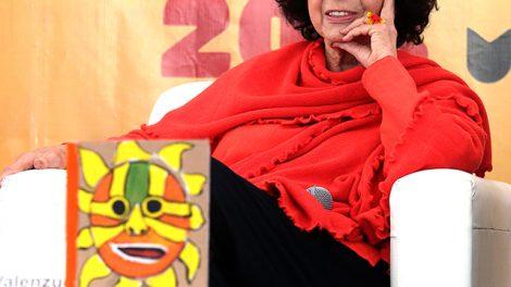 escritora5-LuisaValezuela-Premio-CarlosFuentes2019-UNAMGlobal